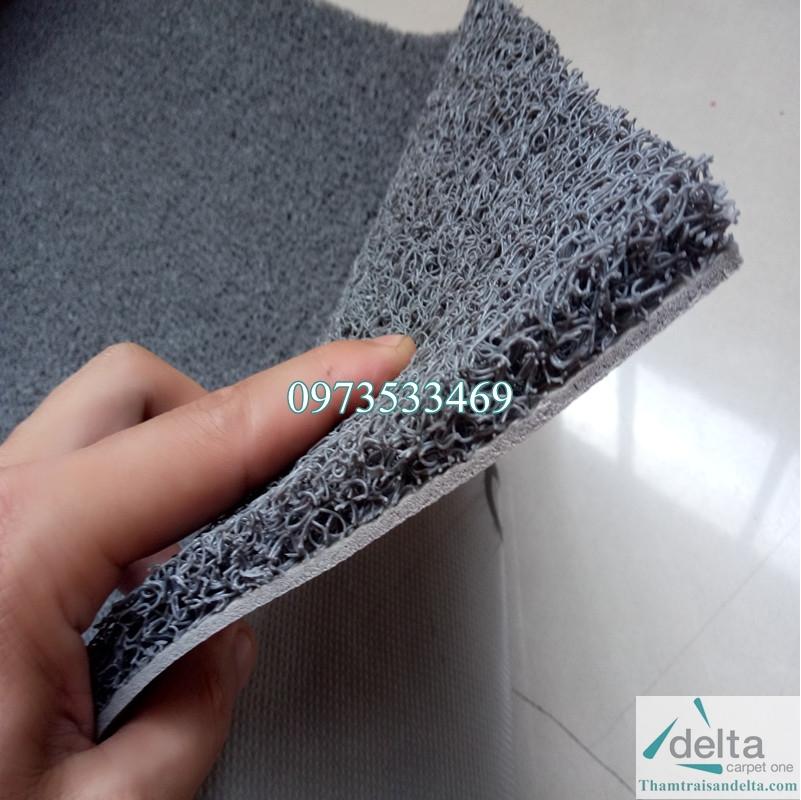 Thảm nhựa rối màu ghi