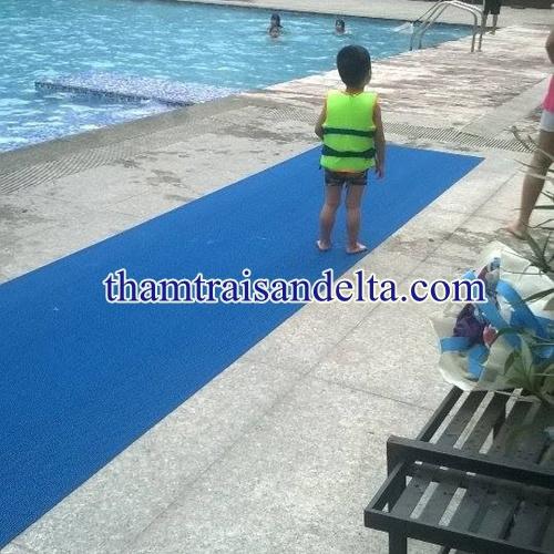 thảm trải bể bơi